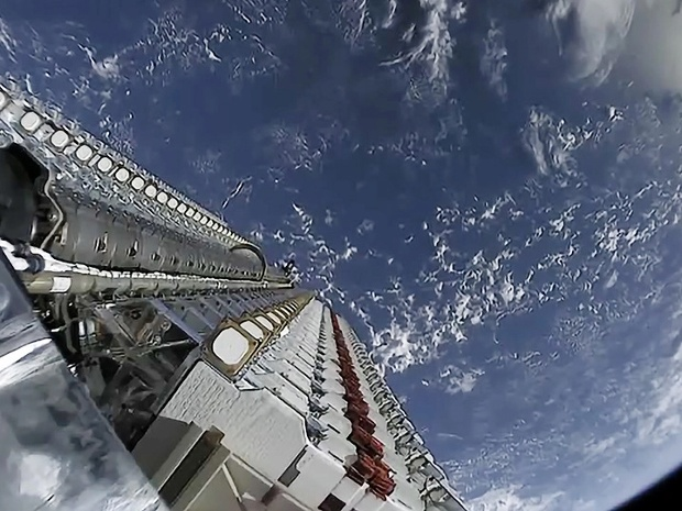 Watch SpaceX launch its 1st Starlink satellites in months