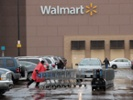 Walmart will pay for employees' books, college tuition