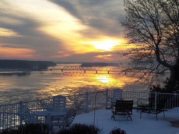 Sunrise ... in over the Mississippi River in Louisiana, Missouri