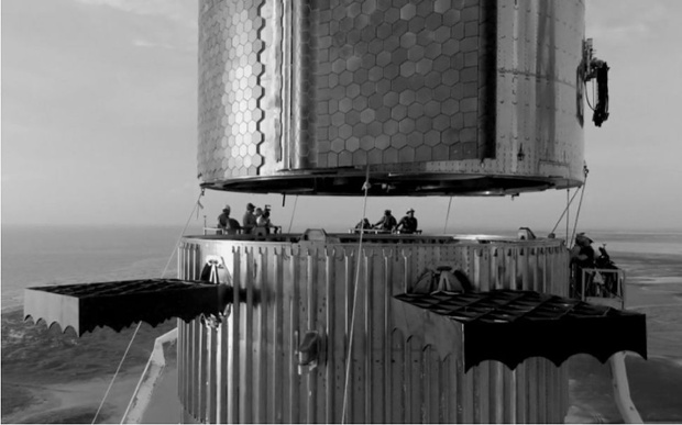 This black-and-white photo of SpaceX's Starship looks like a famed vintage NYC construction shot