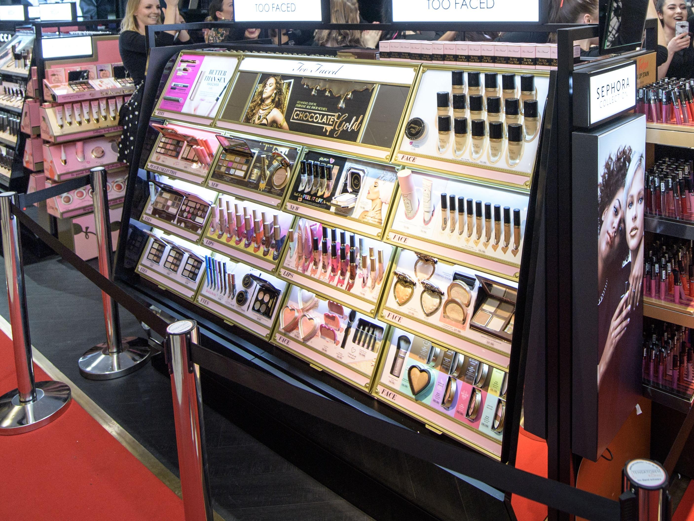 Beauty brands build bigger loyalty programs | SmartBrief