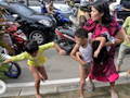 Indonesia hit by 2 earthquakes; tsunami alerts issued