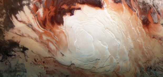Mars' buried polar 'lakes' may just be frozen clay