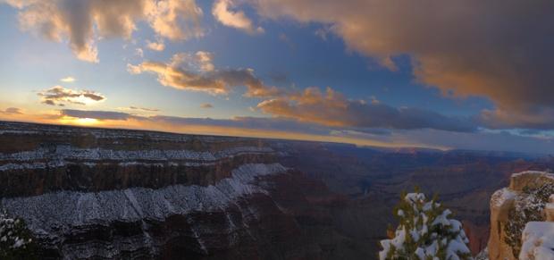 A snowy sunset ... at the Grand Canyon