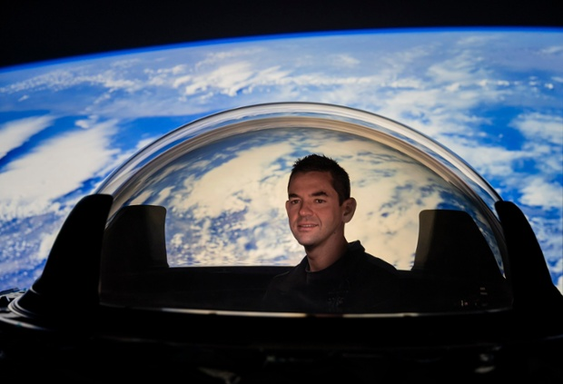 SpaceX shows off its huge dome window on Dragon for private Inspiration4 spaceflight