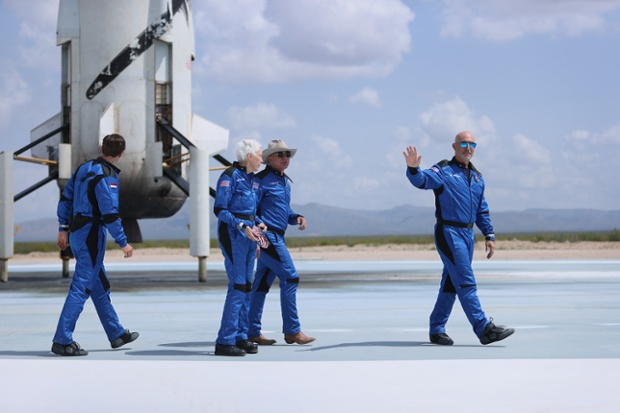 New FAA rules change who qualifies for commercial astronaut wings