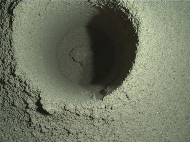 Perseverance Mars rover fumbled 1st sampling attempt because of 'unique' powdery rock, NASA finds