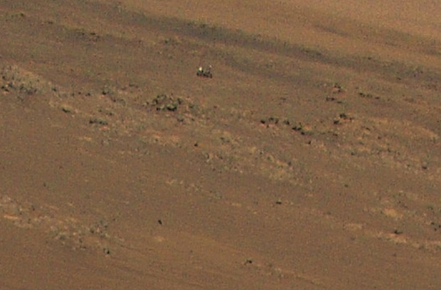 NASA's Mars helicopter spots its Perseverance rover pal from above in an epic view (video)