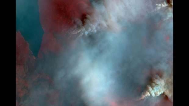 Record-breaking 2021 wildfire season captured in satellite images